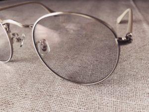 メガネのレンズ