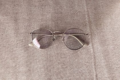 クリアレンズのサングラス