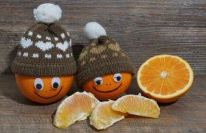 ニット帽とオレンジ
